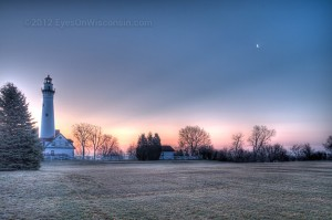 A photo of the Wind Point Lighthouse at dawn